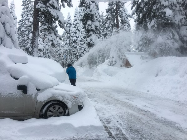 Vacation Rentals in Tahoe Snow Shoveling